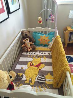 Baby Kinderzimmer Mädchen - Mustard yellow, Winnie the Pooh Nursery Baby Room Themes, Baby Girl Nursery Themes, Baby Boy Rooms, Baby Room Decor, Baby Boy Nurseries, Disney Baby Nurseries, Nursery Ideas, Room Ideas, Winnie The Pooh Nursery