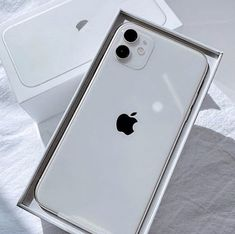 Iphone Pro, New Iphone, Iphone Phone Cases, Iphone 7 Plus, Apple Iphone, Free Iphone Giveaway, Applis Photo, White Iphone, Macbook Case