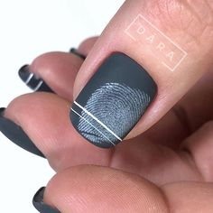 Semi-permanent varnish, false nails, patches: which manicure to choose? - My Nails Gradient Nails, Holographic Nails, Gel Nails, Stiletto Nails, Coffin Nails, Acrylic Nails, Solid Color Nails, Nail Colors, Short Nails