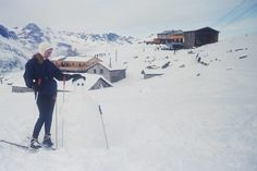 Ski Parka Inspo — Keep it Chic Holly Johnson, Britt Ekland, Magazine Mode, Roger Moore, Lana Turner, Brooke Shields, Vogue, For Your Eyes Only, Rita Hayworth