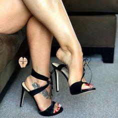 That arch @deedeerican123 #footfetish #footfetishnation #highheelfetish #suckabletoes #lickabletoes ...