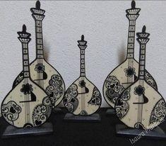 Conheça as peças de Isaura Marques e inspire-se com a sua arte...  Peça-nos mais informações ou visite as suas páginas para conhecer mais do seu trabalho ... Facebook: www.facebook.com/isaura.s.marques Instagram: www.instagram.com/isaura.s.marques/ Facebook, Instagram, Diy Arts And Crafts, Artists