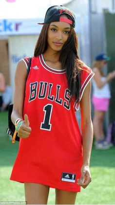 18 Best Stylish Ways to Wear a Sports Jersey images  f53d63432