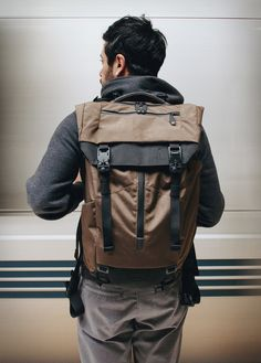 Boundary is a new brand that grew from an intention to make highly functioning products through technical innovation. Their new Modular Backpack is the perfect example, with adaptable storage and dynamic features, it is the ideal solution for daily u Backpack Travel Bag, Hiking Backpack, Leather Backpack, Fashion Backpack, Men's Backpacks, Computer Backpack, Tactical Bag, Back Bag, Designer Backpacks