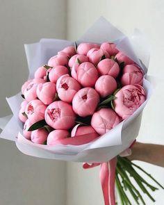 Beautiful Bouquet Of Flowers, Beautiful Flower Arrangements, Floral Arrangements, Beautiful Flowers, Wedding Flowers, Piones Flowers, Flowers Bucket, Bouquet Wedding, Wedding Nails
