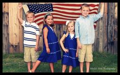 Fun 4th of July photo!-- cute idea for our cousins photo shoot in June.