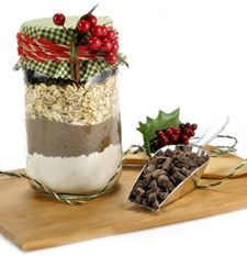 Old-Fashioned Oatmeal Chocolate Chip Cookie Mix in a Jar
