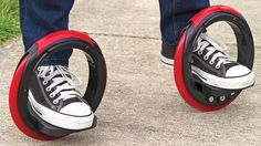 7 Futuristic Methods of Transport These new and cool tech gadgets and futuristic methods of transport are totally amazing and crazy! Marty Mcfly, Cafe Racers, Cool Tech Gadgets, Cool Inventions, Small Cars, Easy Workouts, Chuck Taylor Sneakers, 3d Printing, Shopping