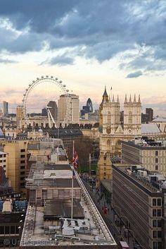 London, UK. www.haisitu.ro