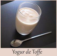 Yogures Caseros: YOGUR DE TOFFE Kombucha, Yogurt Recipes, Tostadas, Glass Of Milk, Panna Cotta, Ethnic Recipes, Food, Paninis, Tibicos
