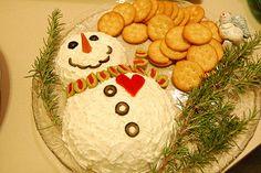 christmas snacks Snowman Cheese Ball perfect for Christmas Christmas Entertaining, Christmas Party Food, Xmas Food, Christmas Cooking, Xmas Party, Christmas Goodies, Christmas Desserts, Holiday Fun, Christmas Holidays