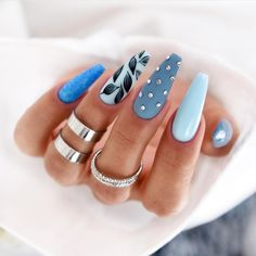 Beautiful isn't about having a pretty face. It's about having a pretty mind, a pretty heart, and a pretty soul. Oh, and don't forget pretty nails! Fancy Nails, Bling Nails, Swag Nails, Dream Nails, Love Nails, My Nails, Perfect Nails, Gorgeous Nails, Pretty Nails