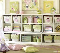 heartbeatoz:  (via Cozy Biscuit: Storage Ideas For The Kids)
