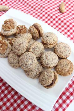 gruensteinKitchen: Walnussmakronen Small Desserts, Cupcake Cookies, High Tea, Biscotti, Christmas Cookies, Muffins, Low Carb, Xmas, Sweets