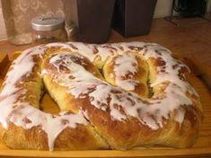 ANNESKREATIVE: Supergod gjærkringle. No Bake Treats, No Bake Desserts, Norwegian Food, Norwegian Recipes, Sweet Bakery, Bread Baking, No Bake Cake, Scones, Cake Recipes