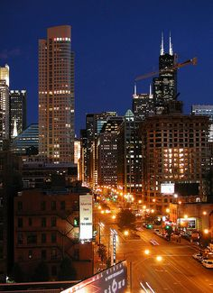 One of my favorite places to visit, beautiful downtown.love the Windy City Chicago, IL Places Around The World, The Places Youll Go, Places Ive Been, Places To Go, Vacation Places, Dream Vacations, Places To Travel, Chicago Skyline, Chicago City