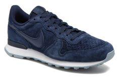 Nike Nike Internationalist Prm Trainers 3/4 view