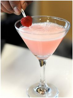 the blushing bride (champagne, pear puree, cranberry juice, sprite)