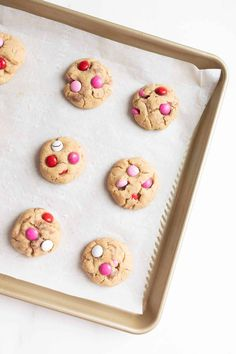 The best M&M Cookies that are bakery quality, without a lot of effort! Get the secrets that make these M and M Cookies better than the rest! M&m Cookie Recipe, Fall Cookie Recipes, Favorite Cookie Recipe, Delicious Cookie Recipes, Favorite Recipes, Cookie Ideas, Baking Recipes, Chocolate Marshmallow Cookies, Chocolate Chip Shortbread Cookies