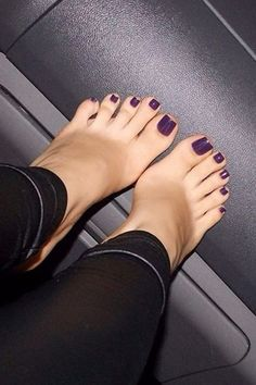 love her sexy toes! Nice Toes, Pretty Toes, Sexy Legs And Heels, Sexy High Heels, Feet Soles, Women's Feet, Sexy Zehen, Purple Toes, Painted Toes