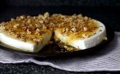 Πανακότα γιαουρτιού με μέλι και καρύδια
