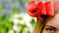 Bandeau de cérémonie rouge - Lady Chapearly Photographie : Studio Graou