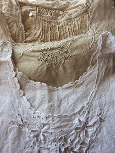 Nachthemden - night gowns - camises de dormir antigues - broderie anglaise - Lochstickerei - whitework
