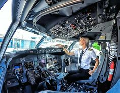 Last Minute Cheap Airline Ticket Pilot Uniform, Pilot Wife, Commercial Pilot, Commercial Aircraft, Aviation Insurance, Female Pilot, Trains, Civil Aviation, Flight Deck