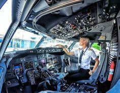 Last Minute Cheap Airline Ticket Pilot Uniform, Pilot Wife, Commercial Pilot, Commercial Aircraft, Trains, Female Pilot, Civil Aviation, Sistema Solar, Flight Deck