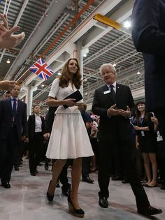 Kate Middleton Photos - The Duke And Duchess Of Cambridge Diamond Jubilee Tour - Day 2 - Zimbio