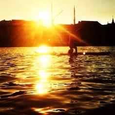 SUP -päälläseisonta Katajanokan auringonlaskussa 5/2014