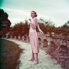 """Grace Kelly during filming of """"To Catch a Thief"""" (1955)"""