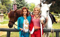 Film Bibi en Tina is voor paardenmeisjes en de kinderfilm zit vol met hekserij, romantiek, avontuur en de nodige achtervolgingen te paard. Alle paardenmeisjes kunnen
