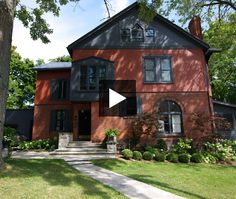[CasaGiardino] ♛ See how an old Victorian was transformed into a bright and inviting home. Designer Alexandra MacDonald shares the story behind her Stratford, Ontario century home. Stratford Homes, Stratford Ontario, Galley Kitchens, Inviting Home, Grand Homes, Home Tv, Historic Homes, Victorian Homes, House Tours