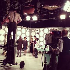 Filming the very first Doctor Who in The console is mint green! <--- and I've seen that Tardis console in person! First Doctor, Doctor In, Twelfth Doctor, William Hartnell, Don't Blink, Torchwood, Time Lords, David Tennant, Dr Who