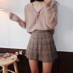 Style skirt outfits like you would be comfortable wearing it ski… Korean fashion. Style skirt outfits like you would be comfortable wearing it skirt lenght wise. Look Fashion, Skirt Fashion, Fashion Outfits, Fashion Ideas, Womens Fashion, Fashion Styles, Winter Fashion, Trendy Fashion, Trendy Clothing