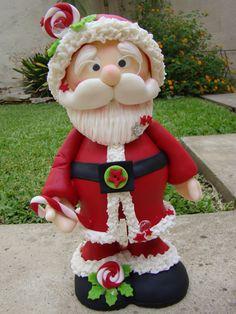 PAPA NOEL GRANDOTE, PORCELANA FRIA Christmas Pasta, Polymer Clay Christmas, Cute Polymer Clay, Felt Christmas, Winter Christmas, Christmas Crafts, Christmas Decorations, Clay Ornaments, Holiday Ornaments