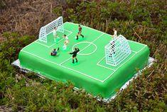 Gâteau de foot dont je me suis inspirée pour faire le gâteau de rugby de mon fils
