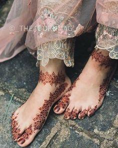 Henna Designs Feet, Unique Mehndi Designs, Mehndi Design Images, Mehndi Designs For Hands, Rajasthani Mehndi Designs, Dulhan Mehndi Designs, Mehendi, Mehndi Desing, Leg Mehndi