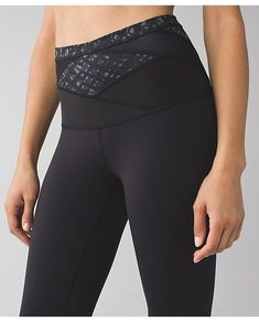 lululemon lace-play-hi-rise wunder-under-crop