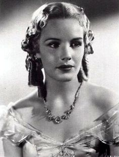 Frances Elena Farmer (September 1913 – August was an American actress of stage and screen. Classic Actresses, Hollywood Actresses, Actors & Actresses, Vintage Hollywood, Classic Hollywood, Hollywood Glamour, Frances Farmer, Washington State History, She Movie