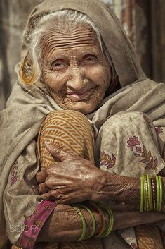 Beautiful Soul, Beautiful People, Old Faces, Wise Women, Happy Women, Interesting Faces, People Around The World, Belle Photo, True Beauty