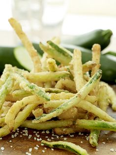 Zucchini Fries I really wanna try to make these without bread crumbs but I'm sketching!