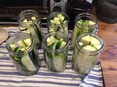 If you grow zucchini in your garden they can grow rapidly. Try making some dill zucchini pickles they taste just like cucumber pickles. Zuchinni Pickles, Canned Zucchini, Pickled Zucchini, Can You Freeze Zucchini, Zucchini Jam, Mason Jar Smoothie, Canning Food Preservation, Preserving Food, Preserving Zucchini