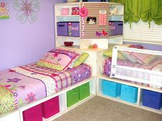 DIY Space Saving Corner Twin Beds Set with Storage Underneath - Free Plan Corner Twin Beds, Bed In Corner, Corner Hutch, Corner Unit, Corner Shelf, Bed Sets, Twin Storage Bed, Bedroom Storage, Little Girl Rooms