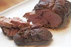 Eine Rehkeule nach Omas Art schmeckt herrlich zart und ist zur Wildzeit das ideale Rezept für Gäste.