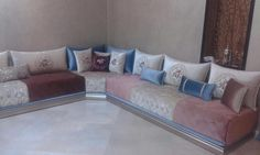 Salon marocain moderne Living Room Turquoise, Living Room White, Living Room Seating, Living Room Decor, Bedroom Decor, Sofa Design, Interior Design, Arabic Decor, Comfortable Living Rooms