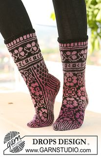 """126-4 Socks with pattern in """"Delight"""" and """"Fabel"""" by DROPS design"""
