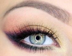 Smokey winged eyeshadow #makeup #vibrant #smokey #bold #eye #makeup #eyes