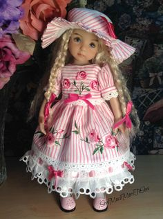 Bonnet feuillet et robe brodée de Effner Little Darling Doll